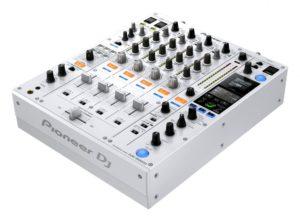 DJM-900NXS2-W_prm_angle_low_0824-848x625